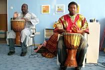 Návštěva z rovníkové Afriky zavítala do Mateřské školy Máj na ulici Karla Čapka v Novém Jičíně.