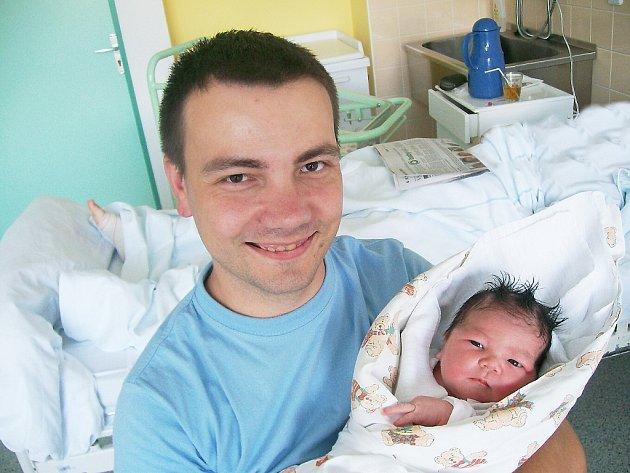 ELEN ŠVECOVÁ, Lichnov, nar. 31. 7. 2012, 50 cm, 3,60 kg. Nemocnice Frýdek-Místek.