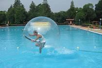 Aquazorbing je novou atrakcí nejen v Příboře, ale v celé České republice.