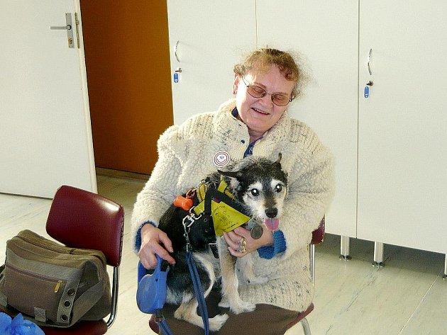 Eliška Knězková se psem Nerem se do dobrovolnického programu zapojují už od začátku.