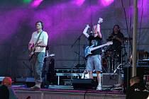Jednou z vystupujících na Festivalu Paseka je ostravská kapela W.O.CH. hrající rock grunge.