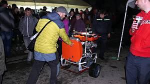 Noční hasičská soutěž v Odrách