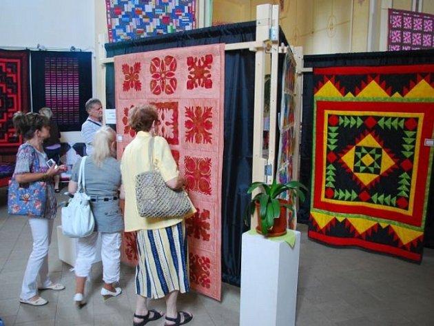 O třetím červnovém víkendu se ve Fulneku uskutečnil desátý ročník výstavy patchwork.