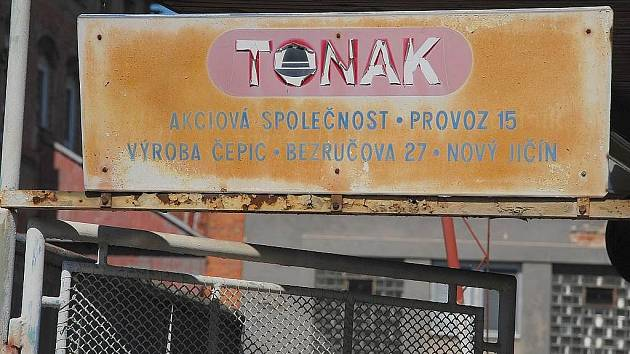 Demolice bývalého areálu Tonak začala. Potrvá týdny - Novojičínský deník 726c6791e1