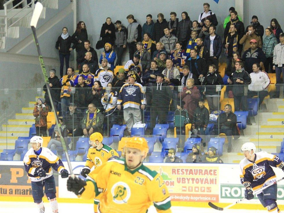 Druholigoví hokejisté Kopřivnice budou spoléhat na věrné fanoušky také v nadcházející sezoně.