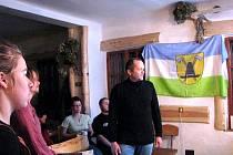 Jaroslav Jindra (vpravo) vypráví o Dakaru.