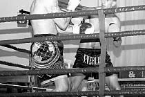 Galavečer profesionálního thaiboxu a MMA v Bílovci představil také tři borce místního týmu Lumberjack, Lukáše Hustáka, Dalibora Černého a Martina Jedličku.
