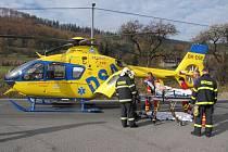 Na silnici z Frenštátu do Rožnova se stala v pondělí dopoledne vážná dopravní nehoda, při níž došlo ke zranění tří osob a požáru vozidla.
