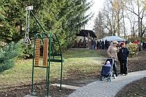 Otevření hřiště pro seniory v areálu domu s pečovatelskou službou v ulici Pod Lipami v Novém Jičíně.