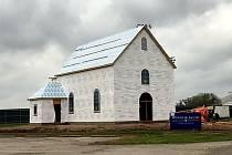 Kostelík v americkém La Grange bude vypadat stejně jako kaple v Mniší, místní části Kopřivnice.