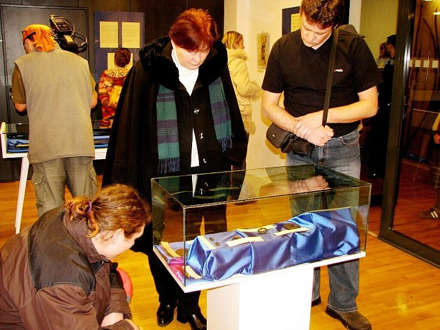 Výstava slavnostně zahájila celokopřivnický projekt s názvem Brána otevřena, japonská kultura v Kopřivnici.