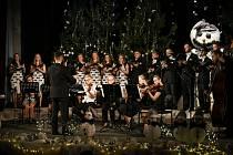 Nyklband na Mikulášském koncertě.