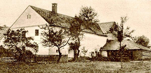 Rodný dům zakladatele genetiky Johanna Gregora Mendla, je od roku 1958kulturní památkou.
