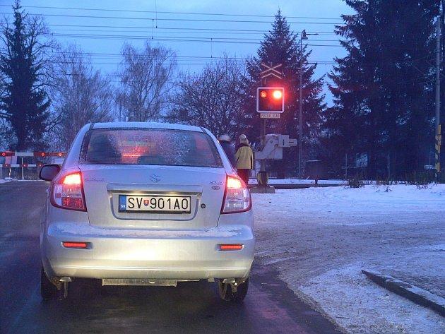 Nejhorší situace v dopravě je ve Studénce na železničním přejezdu.