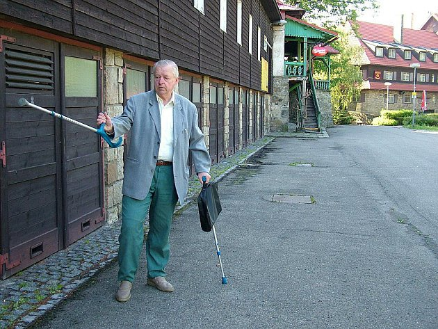 Antonín Reček kdysi jako zastupitel Frenštátu pod Radhoštěm byl zásadně proti prodeji hotelu.
