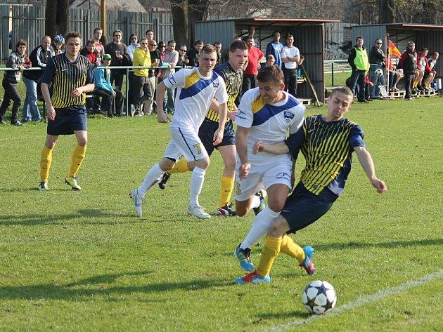 Fotbalisté Beskydu oslavili v nových dresech druhé vítězství v sezoně. Slavkov porazili 2:1 a přiblížili se mu na rozdíl dvou bodů.