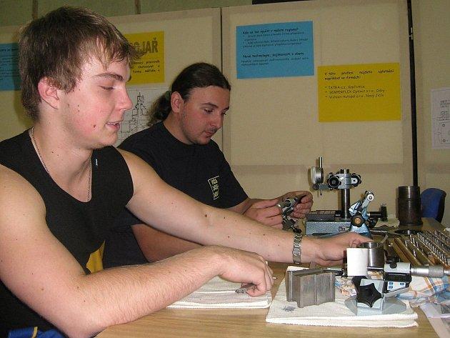 Ukázky technických prací zhlédli žáci na olympiádě.