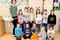 Prvňáčci ze Základní a Mateřské školy Hladké Životice.