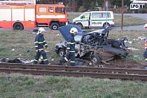Smrtí jednoho člověka a třemi zraněnými skončil letošní březnový střet osobního vozu s vlakem na trase Příbor – Skotnice.  Zadní část vozidla zůstala po nárazu vlaku zcela zdemolována.