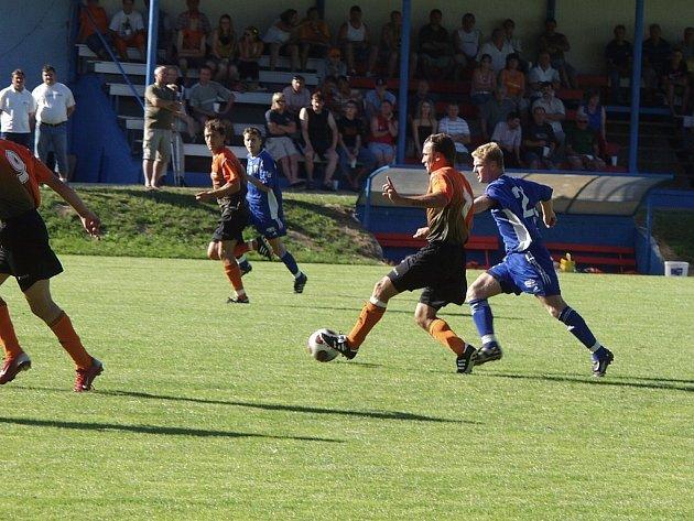 První utkání v přípravě na novou sezonu odehráli ve Stachovicích fotbalisté Fulneku proti Vítkovicím.