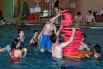 ZA NÁVŠTĚVU bazénu v Kopřivnici si lidé připlatí.