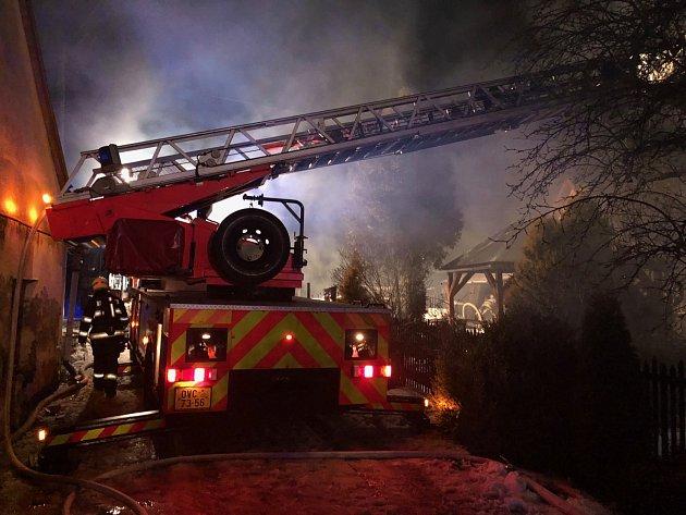 Noční požár rodinného domu vOdrách.