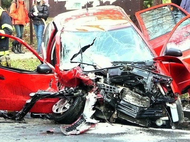 Ve čtvrtek 3. prosince došlo v centru Studénky k vážné dopravní nehodě. Došlo ke střetu dvou osobních vozidel, zraněno bylop pět osob.