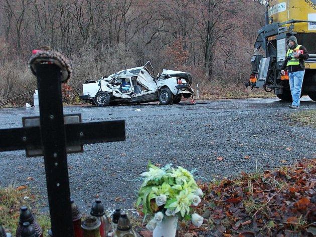 Příchod, zejména po ránu, velmi chladných dnů si na Novojičínsku vyžádal první oběť. Jízdu na náledí zaplatil ve čtvrtek 8. prosince u Oder životem pětačtyřicetiletý řidič.