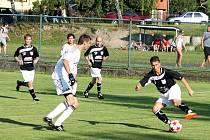 Fotbalové derby mezi Veřovicemi a Bordovicemi, které se uskutečnilo v sobotu 18. srpna, vyhráli před nevídanou návštěvou domácí gólem Vojtěcha Matúše.