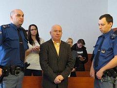 Okresní soud v Novém Jičíně uložil polskému řidiči kamionu Slawomiru Sondaji trest osm let a šest měsíců ve věznici s dozorem a zákaz řízení po dobu deseti let.