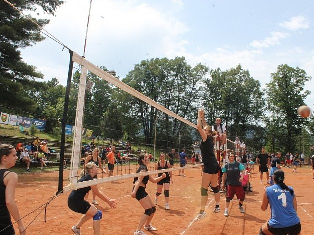 Volejbalový turnaj v Hodslavicích měl v sobotu 5. července a v neděli již 41. ročník.
