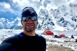 Novojičínský horolezec Marek Novotný na letošní expedici na K2.