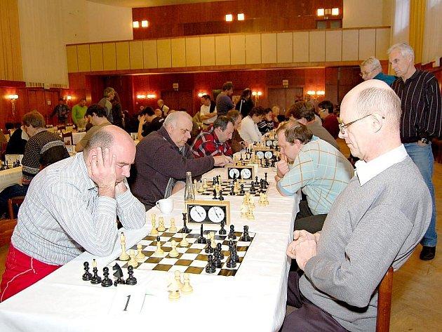 Velmistr Radek Kalod (vlevo) získal v bíloveckém turnaji třetí místo.