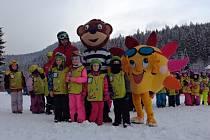 Žáci ze ZŠ Tyršova a MŠ Markova z Frenštátu pod Radhoštěm lyžovali na Bílé.