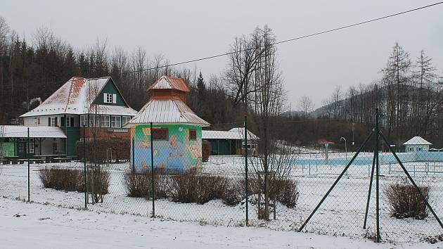 Libotínské koupaliště je v současné době bez provozovatele. Pokud se nějaký,  nenajde, bude muset letošní sezonu s největší pravděpodobností zajistit samo  město Štramberk.