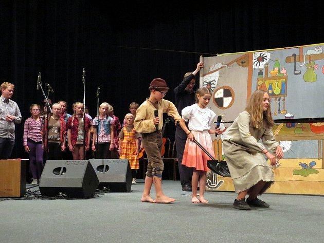 Koncert táborníků z letního tábora Malované písničky DDM Kopřivnice.