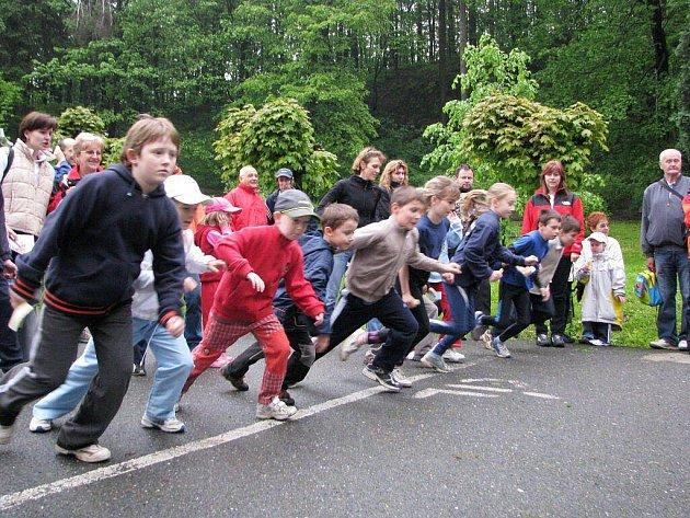 Desítky dětí se poprvé v historii zúčastnily v sobotu Běhu Národním sadem ve Štramberku.
