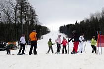Lyžařský areál Svinec u Nového Jičína neměl v neděli 2. února o návštěvnost nouzi.