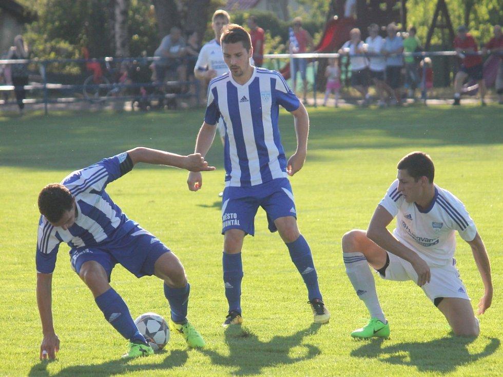 Frenštát doma zdolal Šenov, který pomohl dvěma góly odklidit z cesty Pavel Střelec (vpravo).