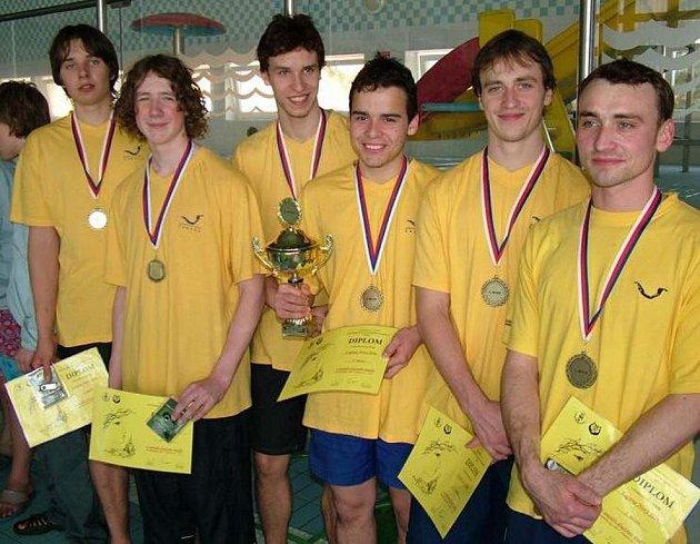 Ploutvaři Klubu vodních sportů Laguna Nový Jičín se stali v Olomouci poprvé v historii mistry České republiky v plavání s ploutvemi.