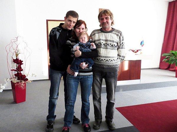 Vítáme Veroniku Veselou zJeseníku nad Odrou, která se rodiči zúčastnila slavnostního aktu 2.prosince 2012.