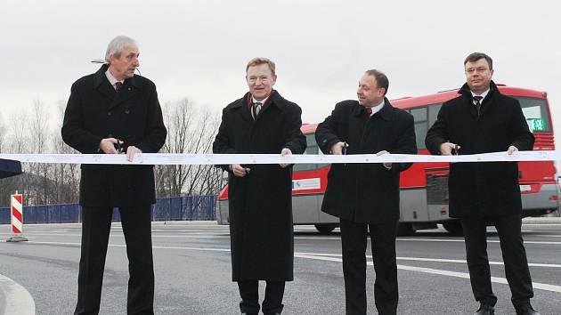 Definitivní konec stavebních prací a úprav znamenala středa 11. prosince pro most stojící v ulici Československé armády v Kopřivnici.