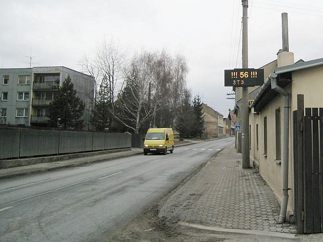 Měřící systém ze směru Hranice plní svou funkci již druhým rokem. Na druhém konci města, ze směru Ostrava, přibude letos další, tentokrát světelný.