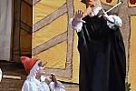Pohádku divadelní spolek odehrál v Kulturním domě Příbor.