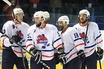 Novojičínští hokejisté v Porubě, po dvou předchozích vysokých porážkách (0:8, 2:6), zaskočili lídra tabulky a domů si vezli všechny tři body.