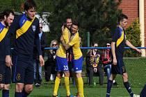 Frenštát (v modrém) musel poprvé v sezoně skousnout porážku.
