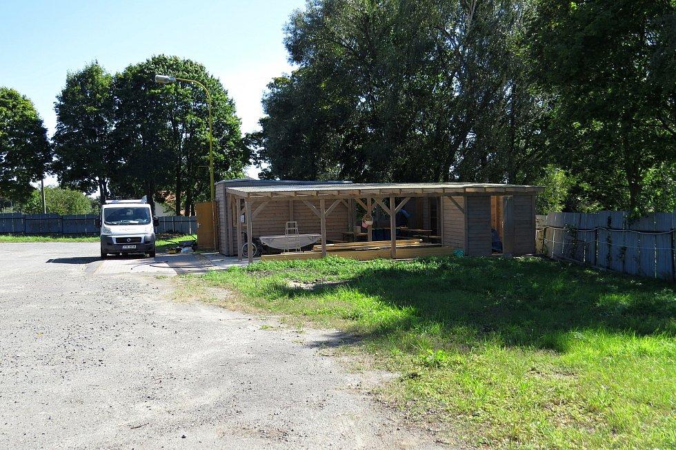 Nadační fond Kousek po kousku začal nedávno ve Fulneku budovat Zahradu Hojnosti.