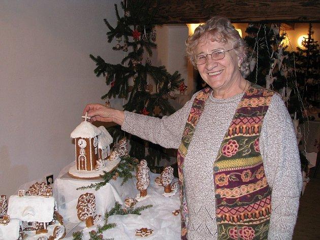 Zdenka Hanzelková na výstava v Libhošti s názvem Vánoční čas.