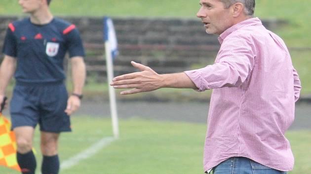 ROK A PŮL. Takovou dobu vedl divizní fotbalisty Nového Jičína trenér Jan Pejša, jenž o své budoucnosti prozatím jedná.