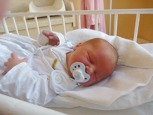 JAKUB BARTOŇ, Nový Jičín, nar. 8. 10. 2012, 51 cm, 3,90 kg. Nemocnice Nový Jičín.